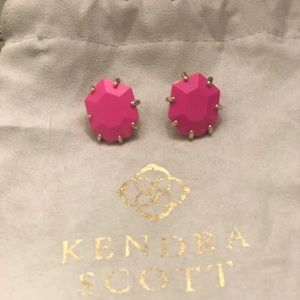 Kendra Scott Morgan Stud in Neon Pink